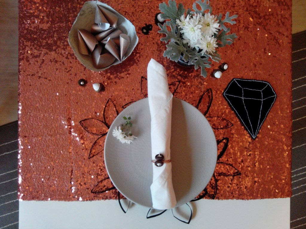 2016-12-skoen-och-kreativ-adventskalender-diy-bluetenteppich-tischset-6