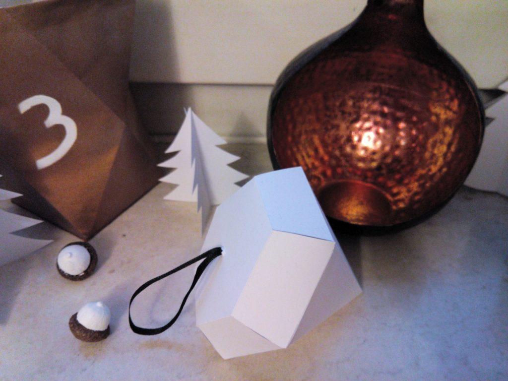 2016-12-skoen-och-kreativ-adventskalender-diy-papier-diamant-4