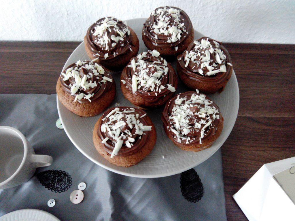 2016-12-skoen-och-kreativ-adventskalender-rezept-cupcake-schokoladen-genuss-2