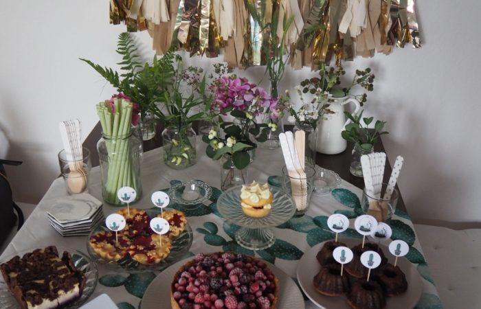 Summer Succulents Party # Heidelbeeren auf dem Kuchenbuffet