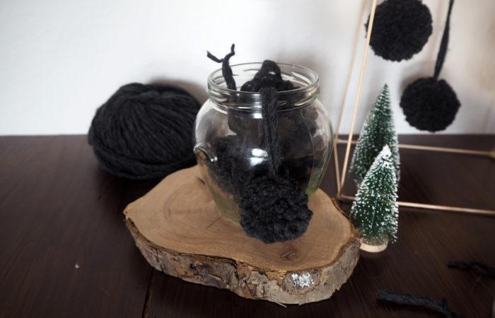 Xmas in a Jar #8: Baumschmuck – Pom Poms