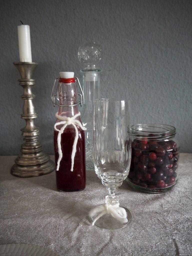 2016-12-skoen-och-kreativ-adventskalender-xmas-in-a-jar-13-cranberry-sirup-2