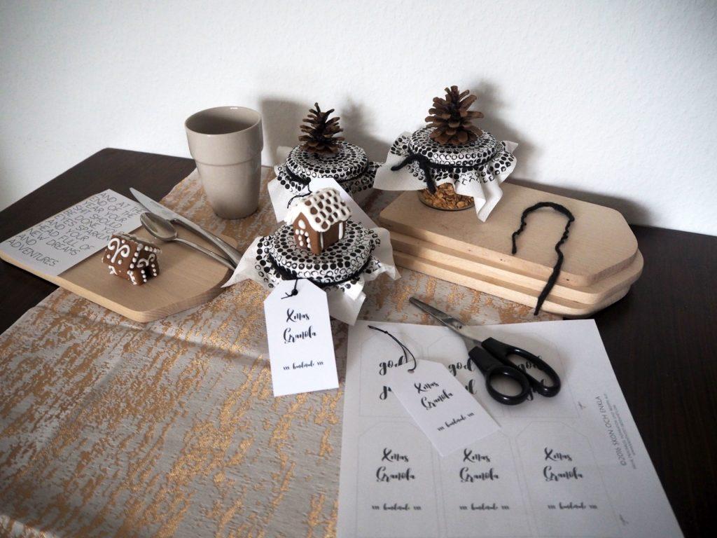 2016-12-skoen-och-kreativ-adventskalender-xmas-in-a-jar-22-xmas-granola-1