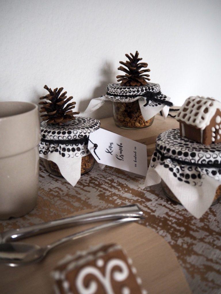2016-12-skoen-och-kreativ-adventskalender-xmas-in-a-jar-22-xmas-granola-8
