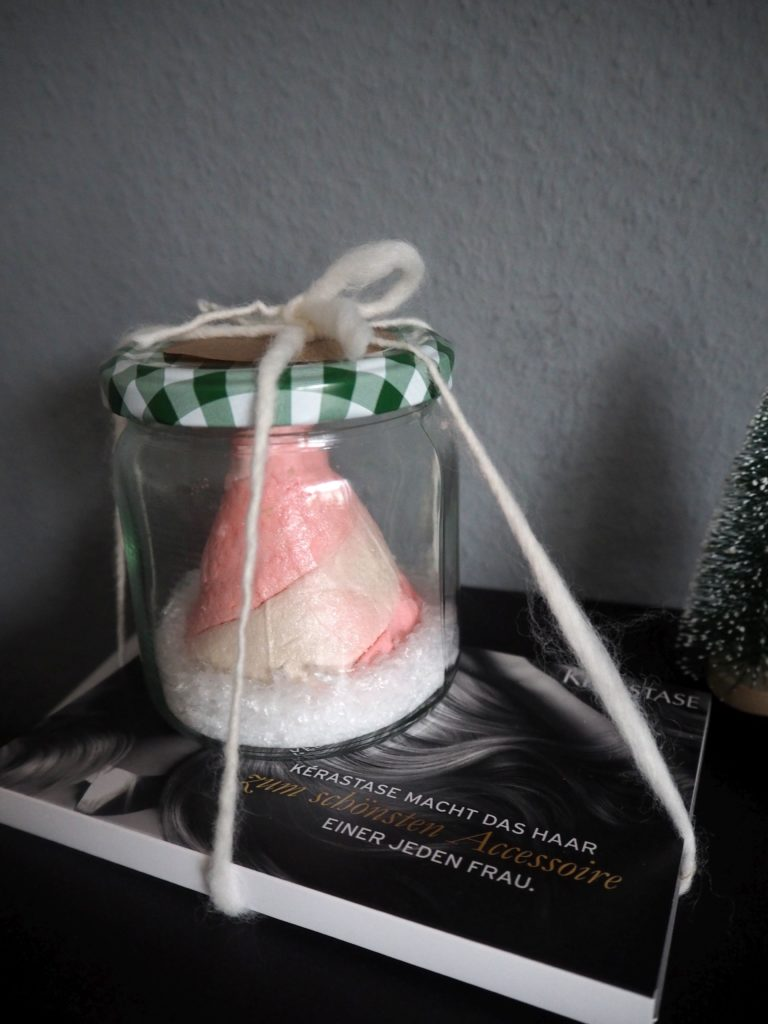 2016-12-skoen-och-kreativ-adventskalender-xmas-in-a-jar-spa-time-badebombe-2