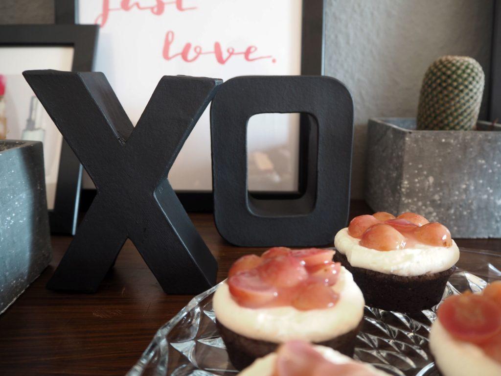 2017-skoen-och-kreativ-valentinstag-red-velvet-cupcakes-trauben (7)