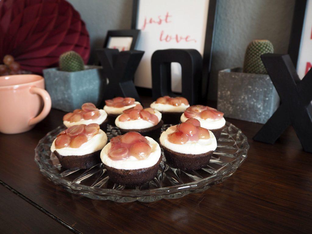 2017-skoen-och-kreativ-valentinstag-red-velvet-cupcakes-trauben (8)