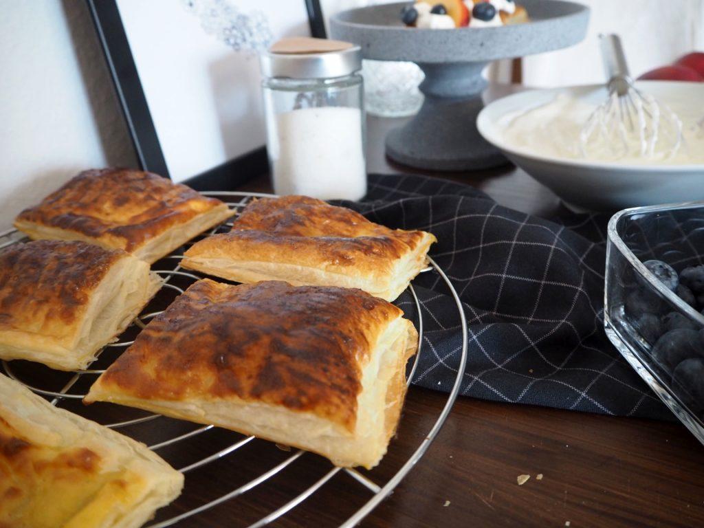 2017-07-skoen-och-kreativ-crostata-mit-heidelbeer-nektarinen-topping (4)
