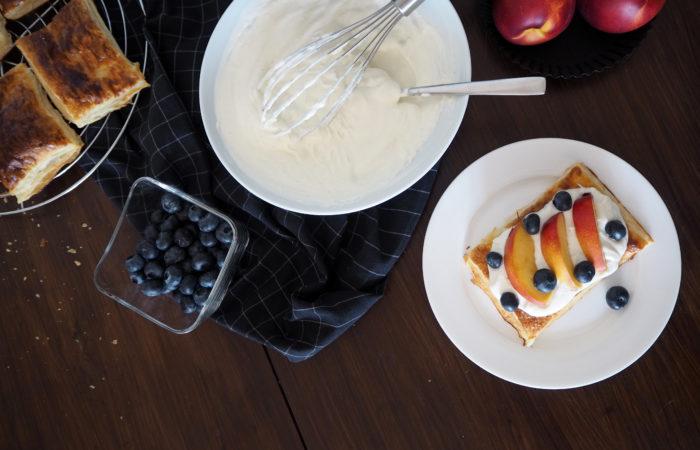 Crostata mit Heidelbeer-Nektarinen-Topping