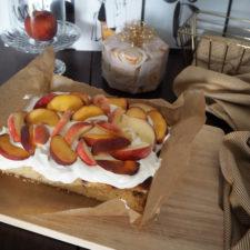 2017-07-skoen-och-kreativ-pfirsich-nuss-kuchen-mit-quarkcreme (11)
