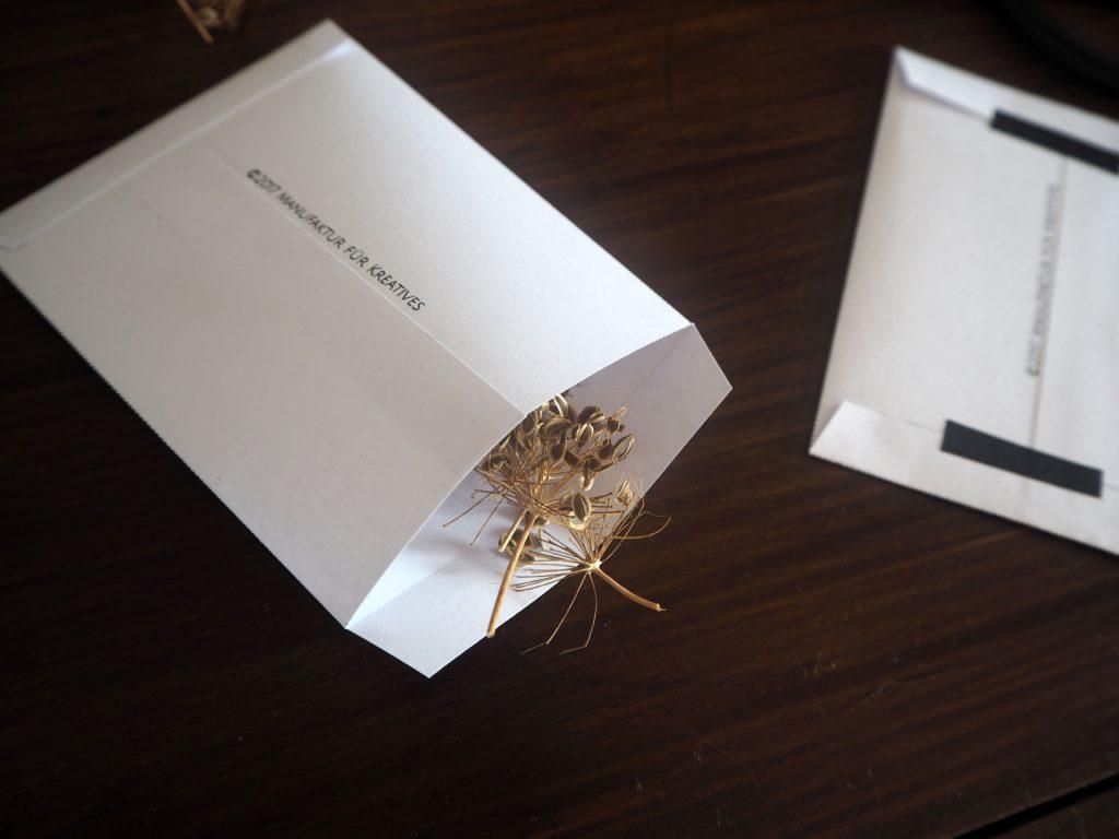 2017-10-skoen-och-kreativ-diy-grafikdesign-wrapping-wednesday-blumensamen-sammeln (8)