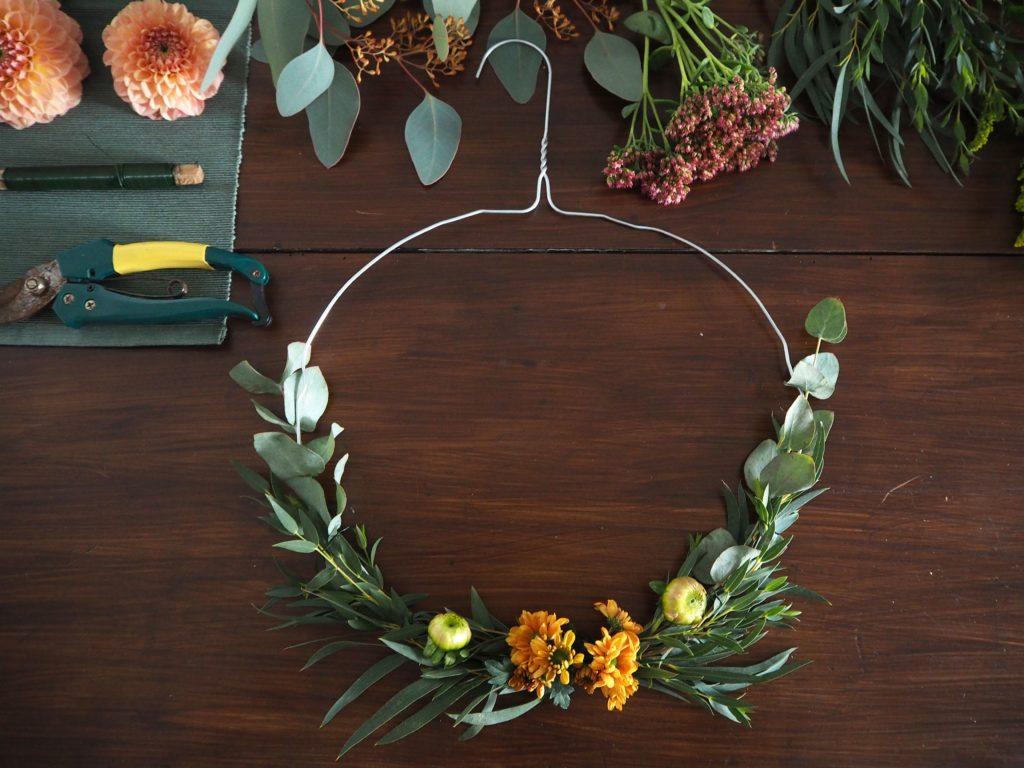 2017-10-skoen-och-kreativ-diy-minimalistischer-kranz-herbst-deko (13)