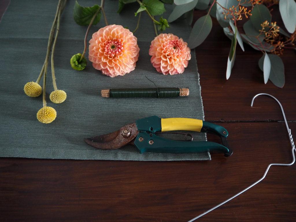 2017-10-skoen-och-kreativ-diy-minimalistischer-kranz-herbst-deko (18)