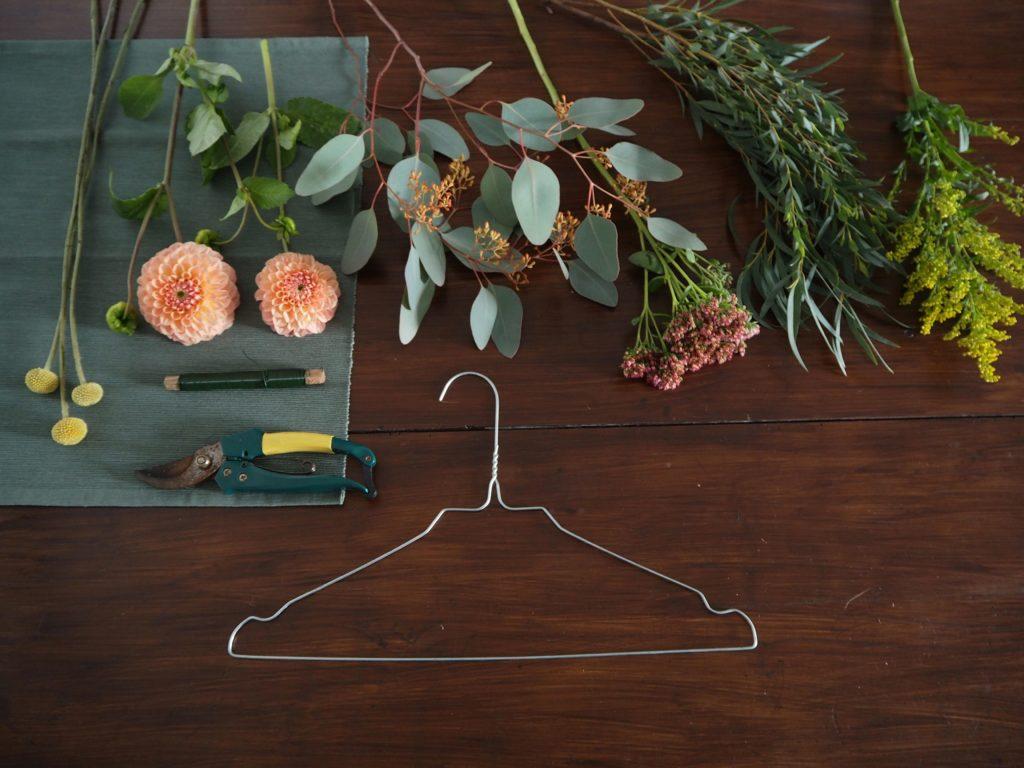 2017-10-skoen-och-kreativ-diy-minimalistischer-kranz-herbst-deko (3)
