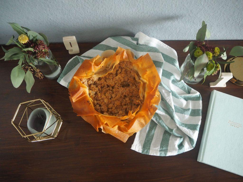 2017-10-skoen-och-kreativ-food-filo-streusel-tarte-mit-apfel-und-birne (9)