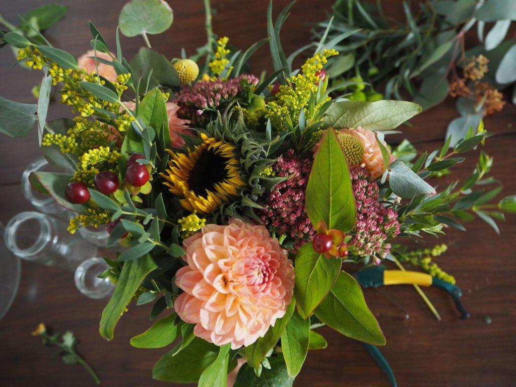 2017-11-skoen-och-kreativ-diy-herbstliche-flower-bouquets (5)