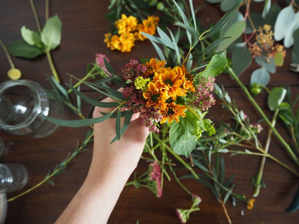 2017-11-skoen-och-kreativ-diy-herbstliche-flower-bouquets (9)