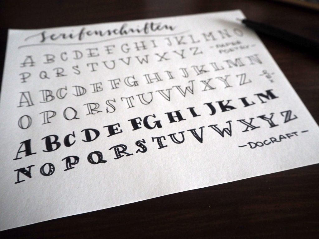 2017-11-skoen-och-kreativ-sonntagslektuere-november-hand-lettering-alphabete-frau-hoelle-buch (6)
