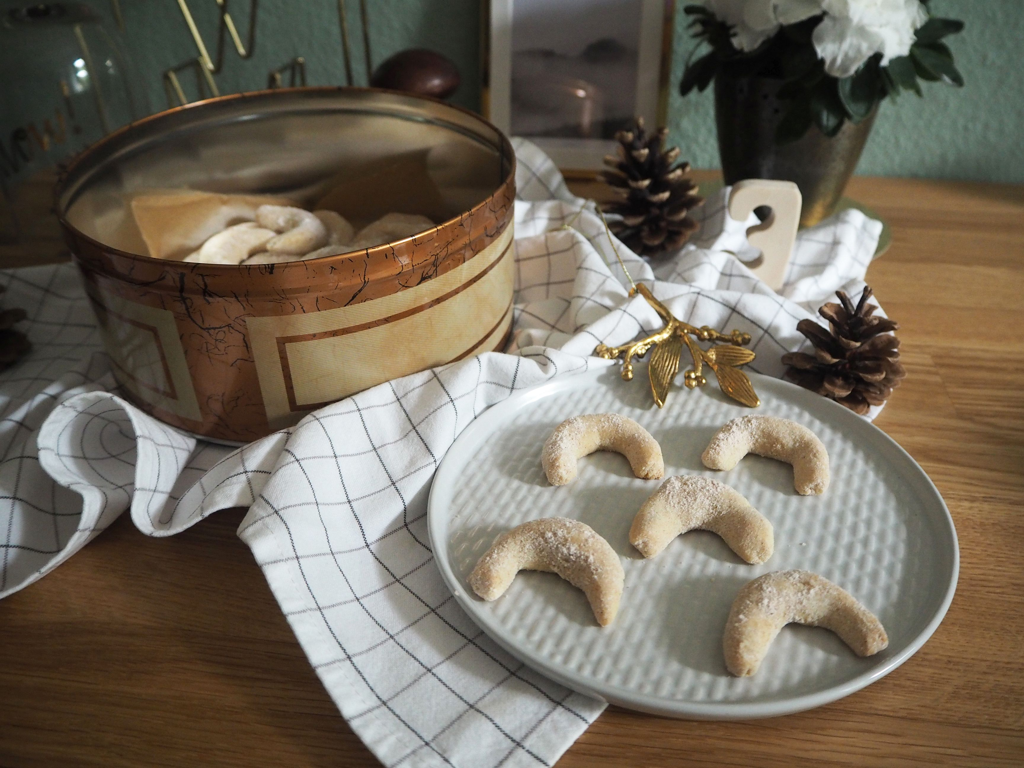 2017-12-skoen-och-kreativ-cookie-cake-love-chai-kipferl (2)