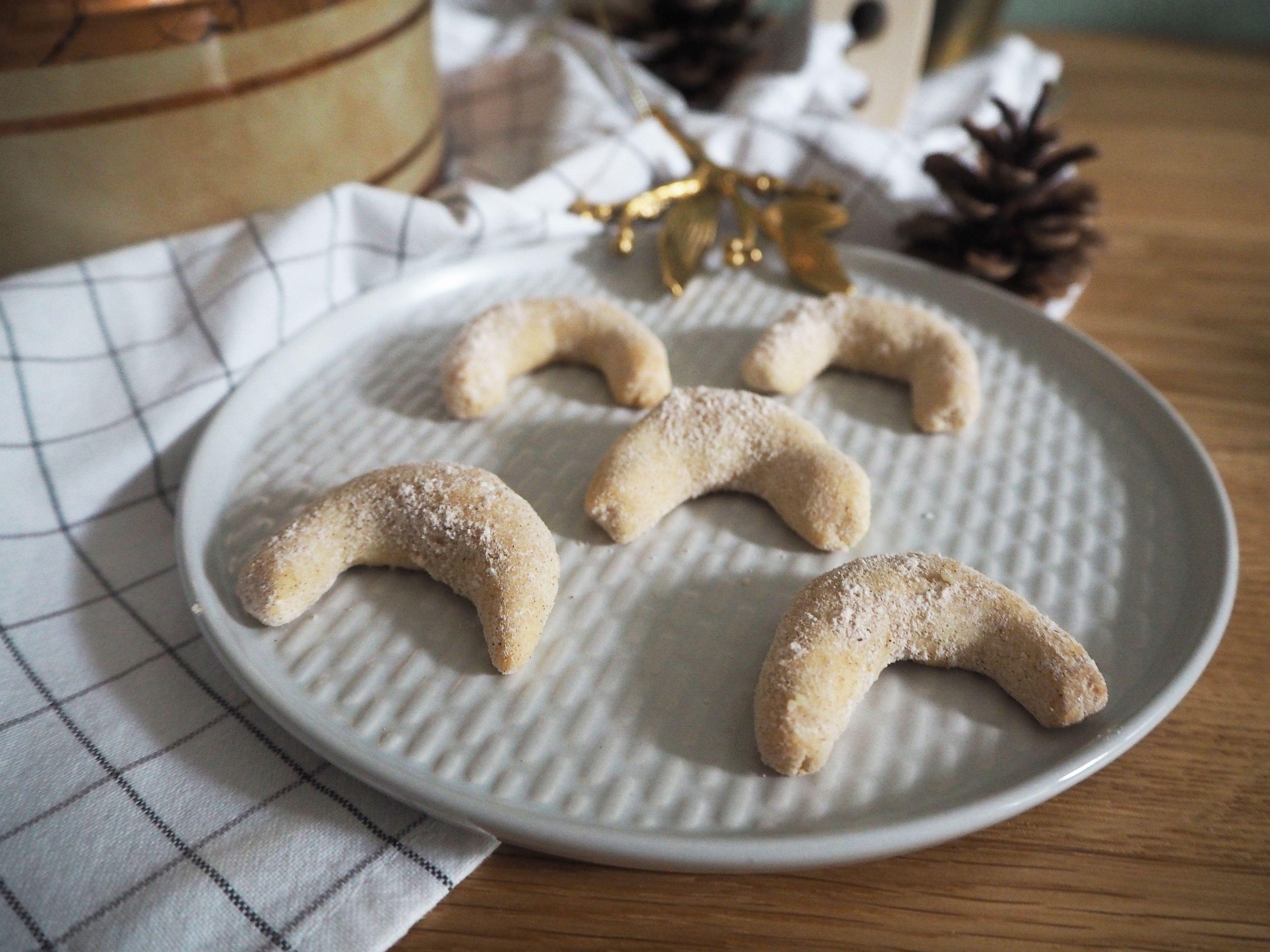 2017-12-skoen-och-kreativ-cookie-cake-love-chai-kipferl (3)