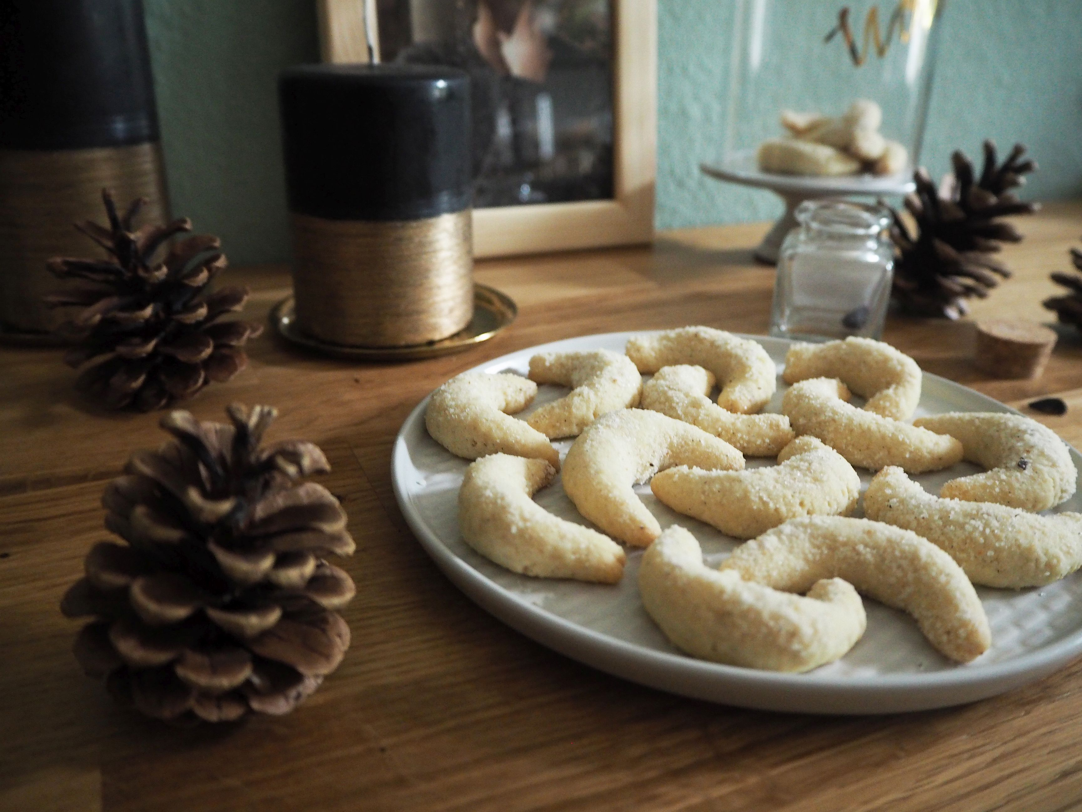 2017-12-skoen-och-kreativ-food-cookie-cake-love-tonka-kipferl (10)