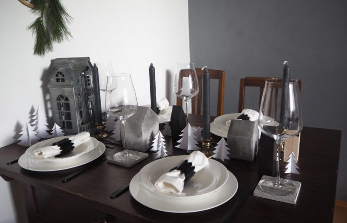 Tischdeko # Weihnachtliche Winterlandschaft in Grau