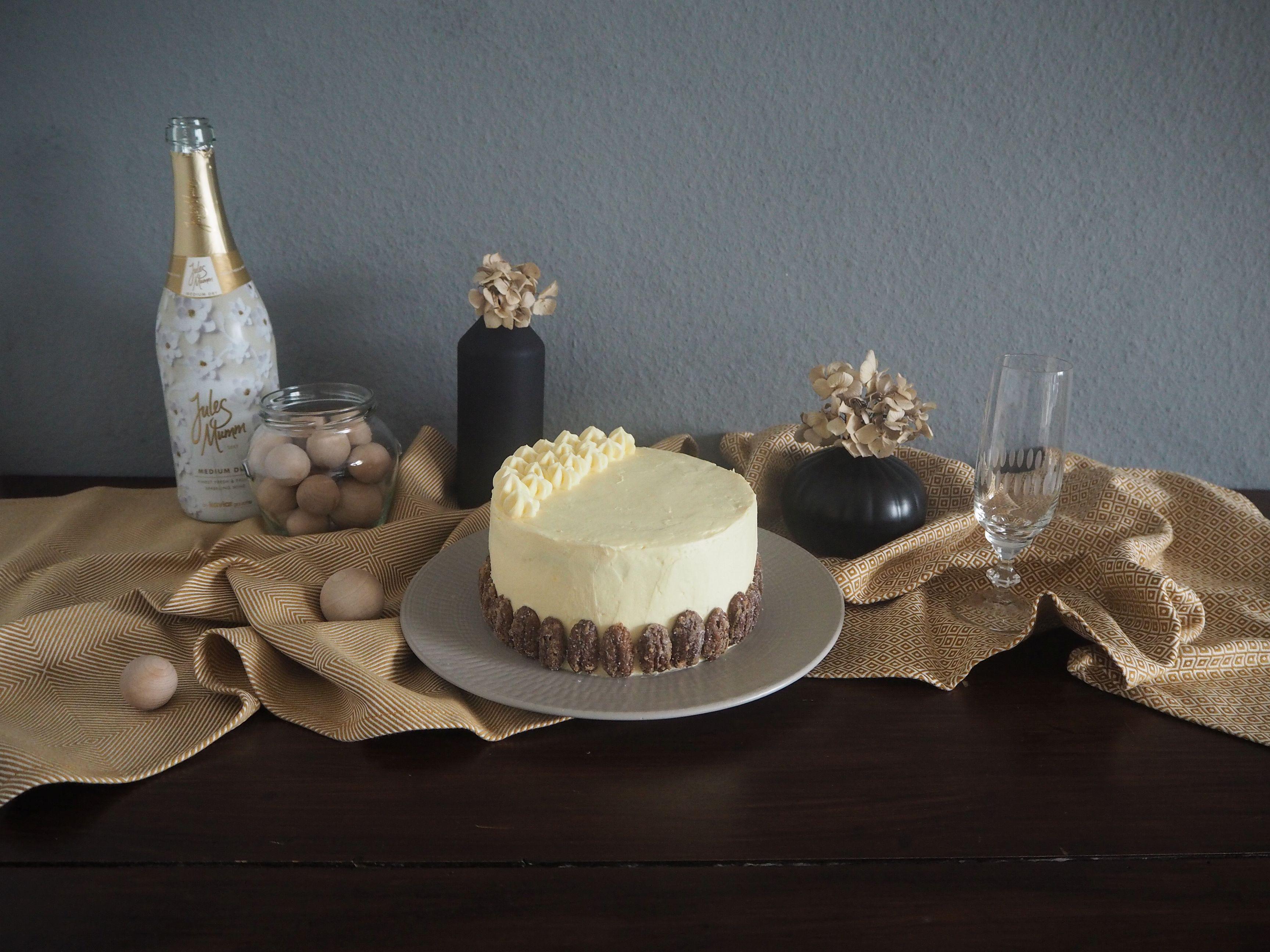 2017-12-skoen-och-kreativ-adventskalender-cookie-and-cake-love-birnen-pekannuss-cake (1)