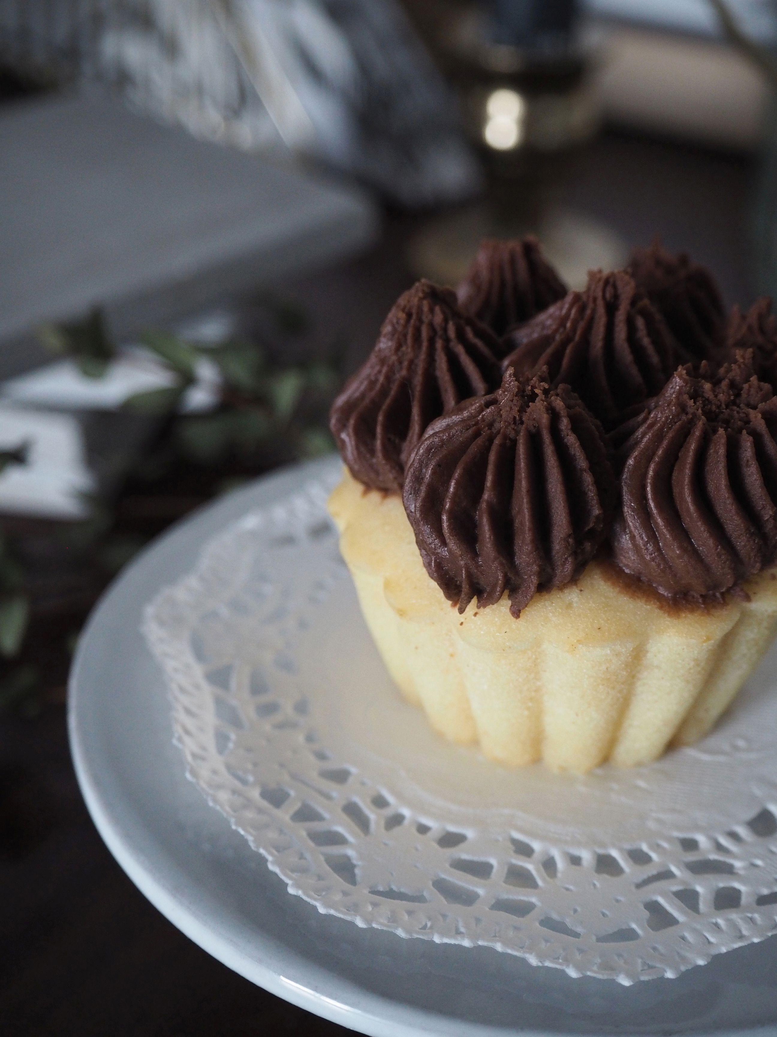 2018-01-skoen-och-kreativ-food-cookies-cake-love-vanilla-chocolate-cupcakes (11)