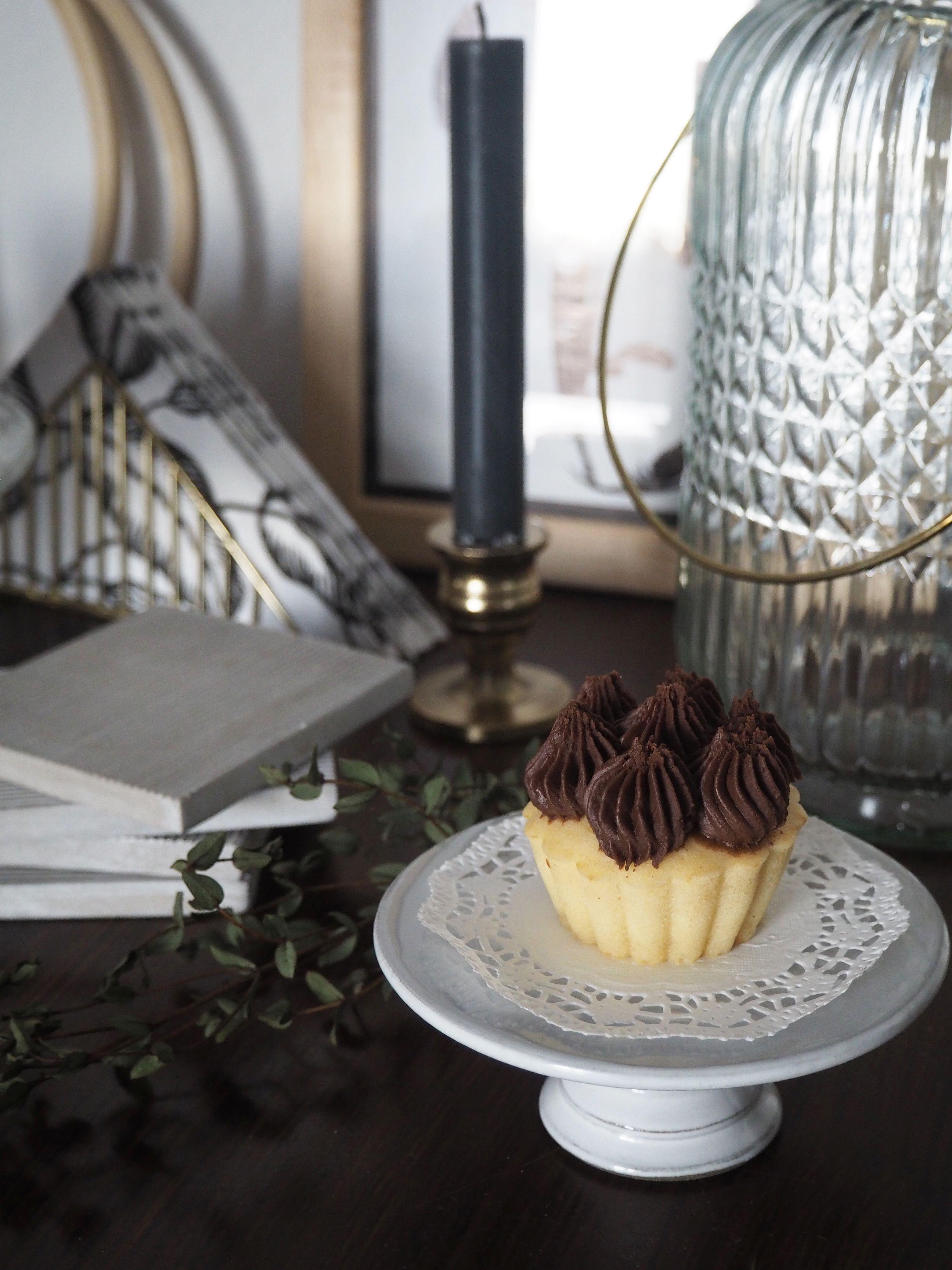 2018-01-skoen-och-kreativ-food-cookies-cake-love-vanilla-chocolate-cupcakes (4)