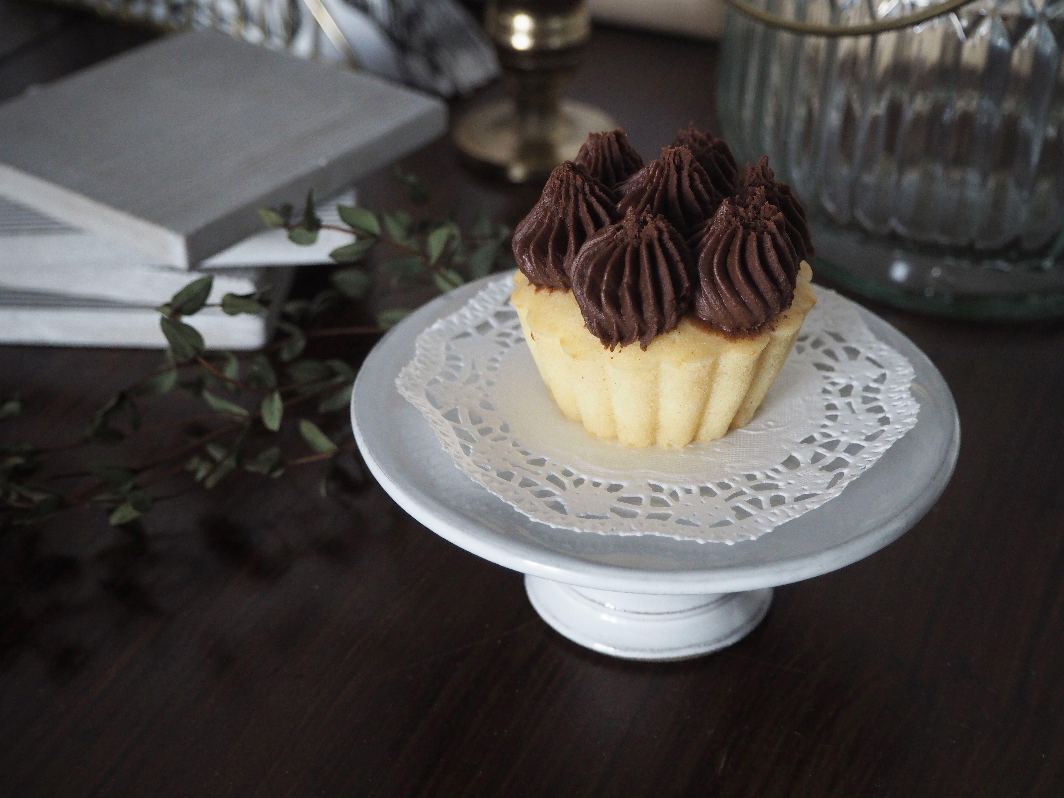 2018-01-skoen-och-kreativ-food-cookies-cake-love-vanilla-chocolate-cupcakes (5)