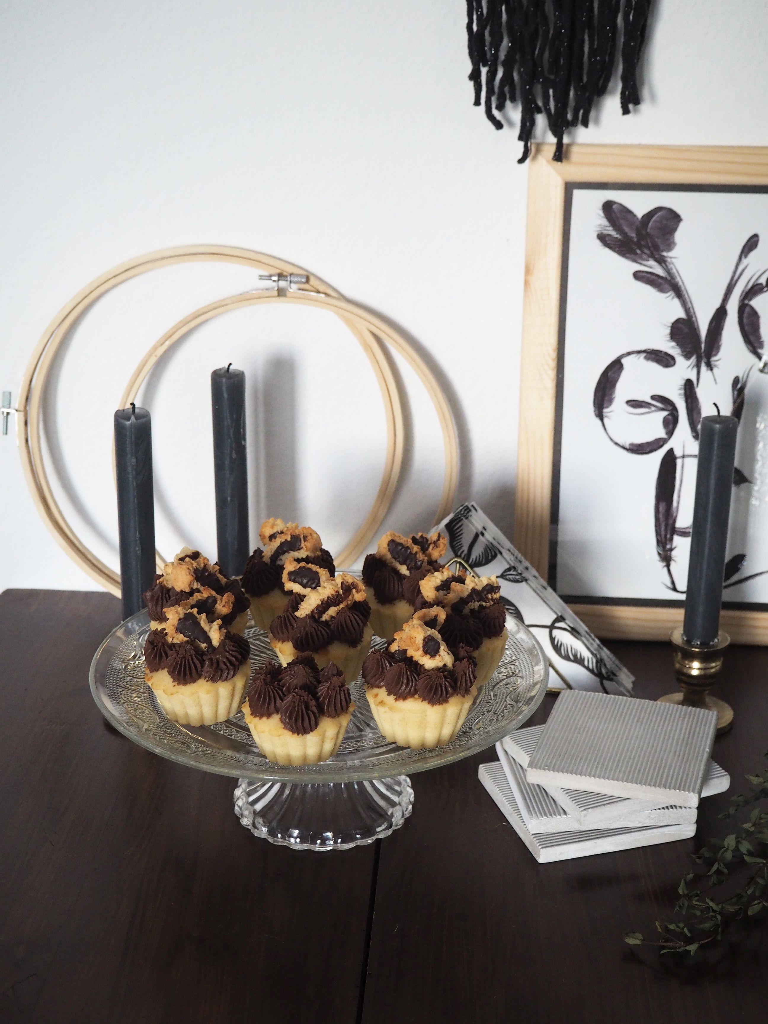 2018-01-skoen-och-kreativ-food-cookies-cake-love-vanilla-chocolate-cupcakes (9)