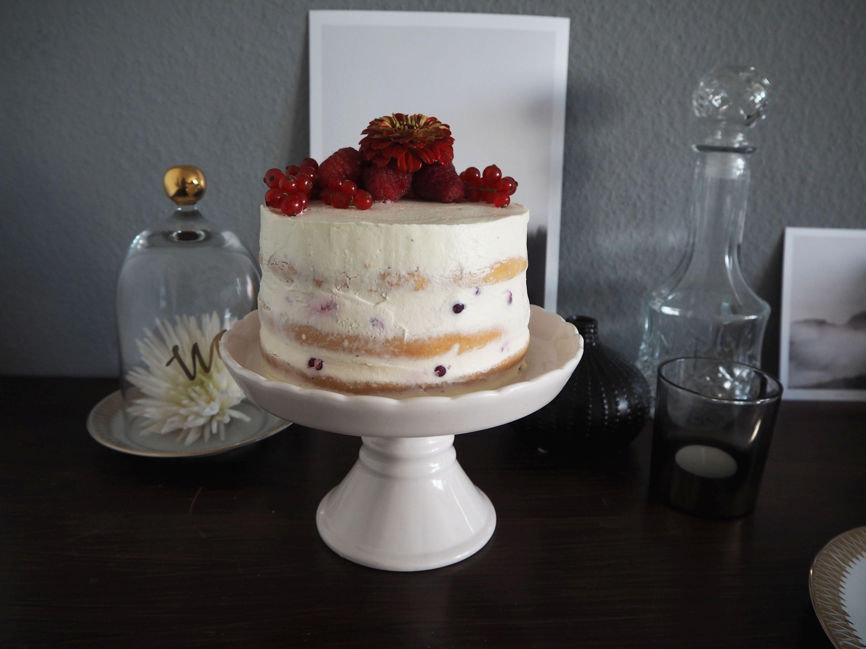 2018-05-skoen-och-kreativ-foodberry-semi-naked-cake-beeren-torte-zum-muttertag (2)