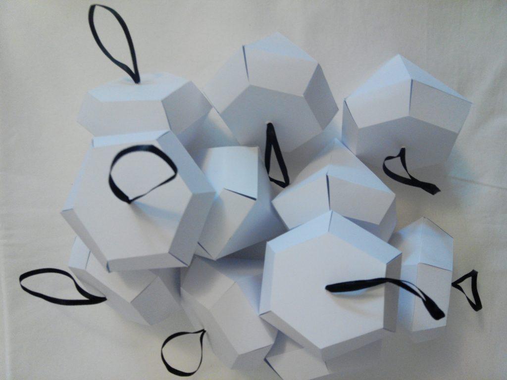 2016-12-skoen-och-kreativ-adventskalender-diy-papier-diamant-3