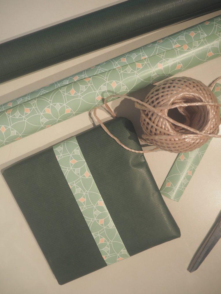 2016-11-skoen-och-kreativ-diy-wrapping-gruen-schlicht-2