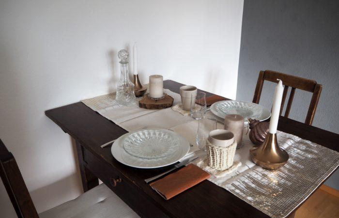 Tischdekoration # Kupfernes Spiel mit Licht und Glas