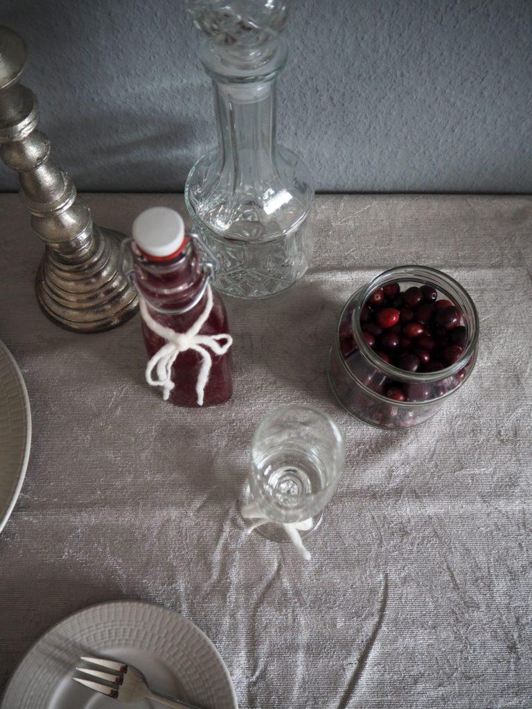 2016-12-skoen-och-kreativ-adventskalender-xmas-in-a-jar-13-cranberry-sirup-3