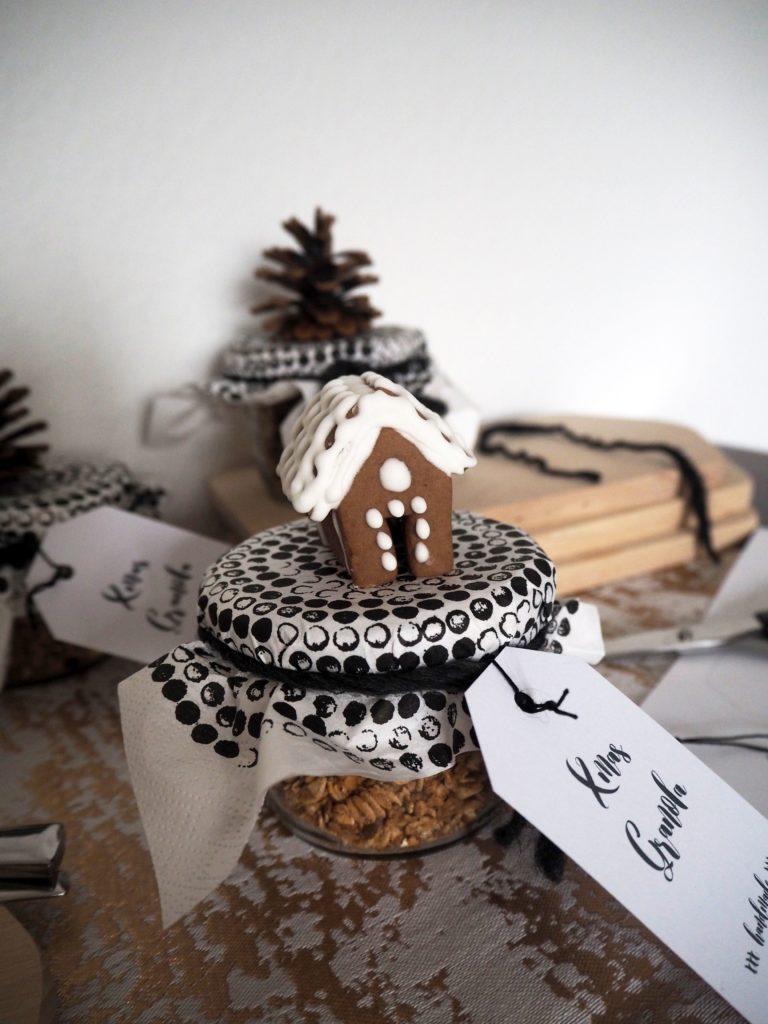 2016-12-skoen-och-kreativ-adventskalender-xmas-in-a-jar-22-xmas-granola-7