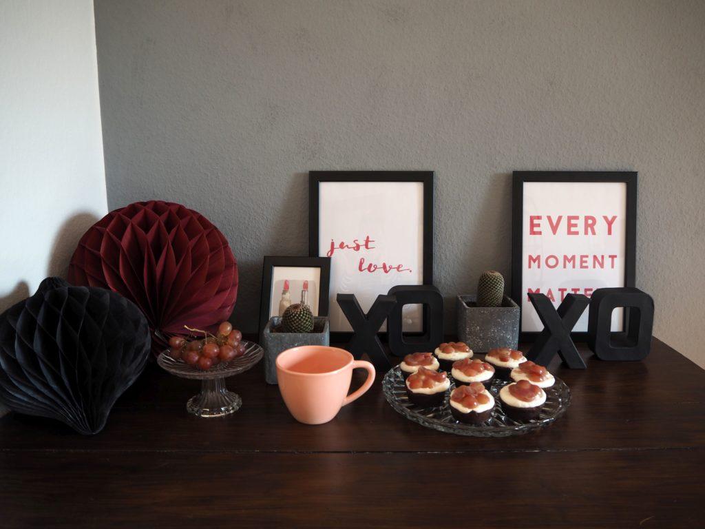 2017-skoen-och-kreativ-valentinstag-red-velvet-cupcakes-trauben (1)