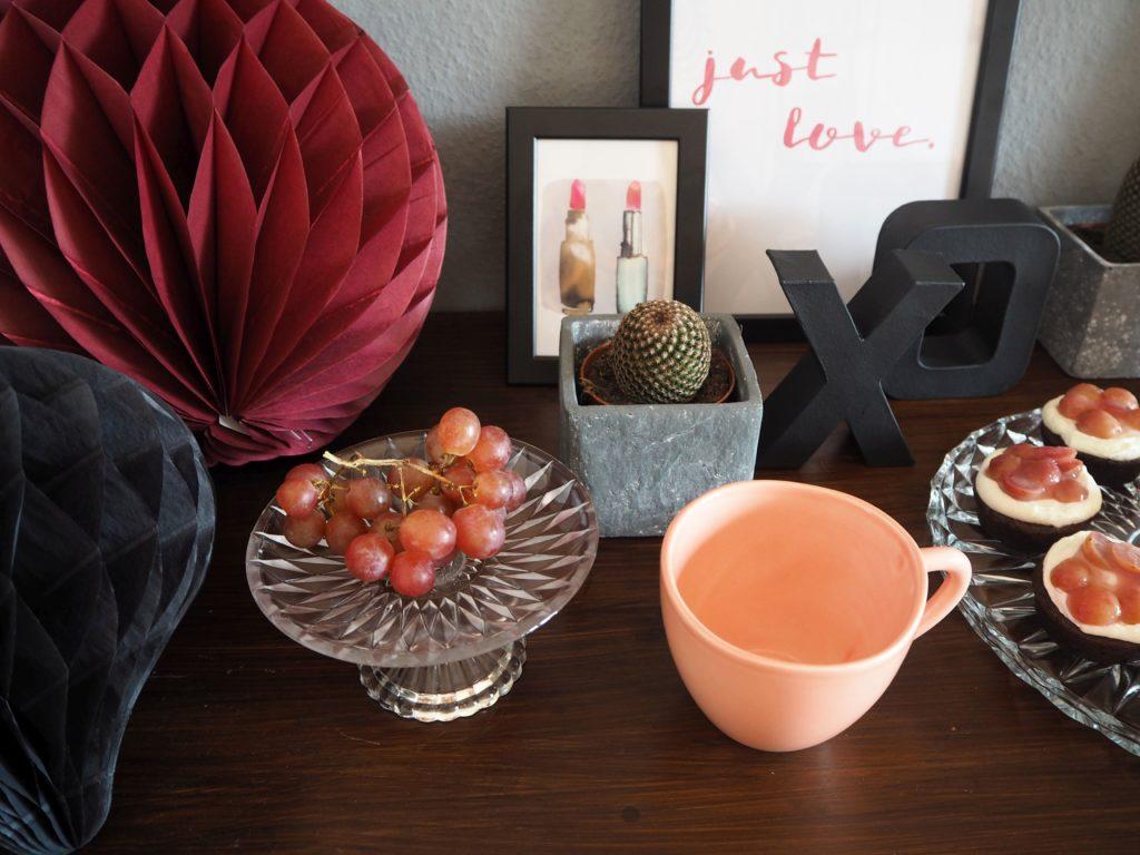 2017-skoen-och-kreativ-valentinstag-red-velvet-cupcakes-trauben (3)