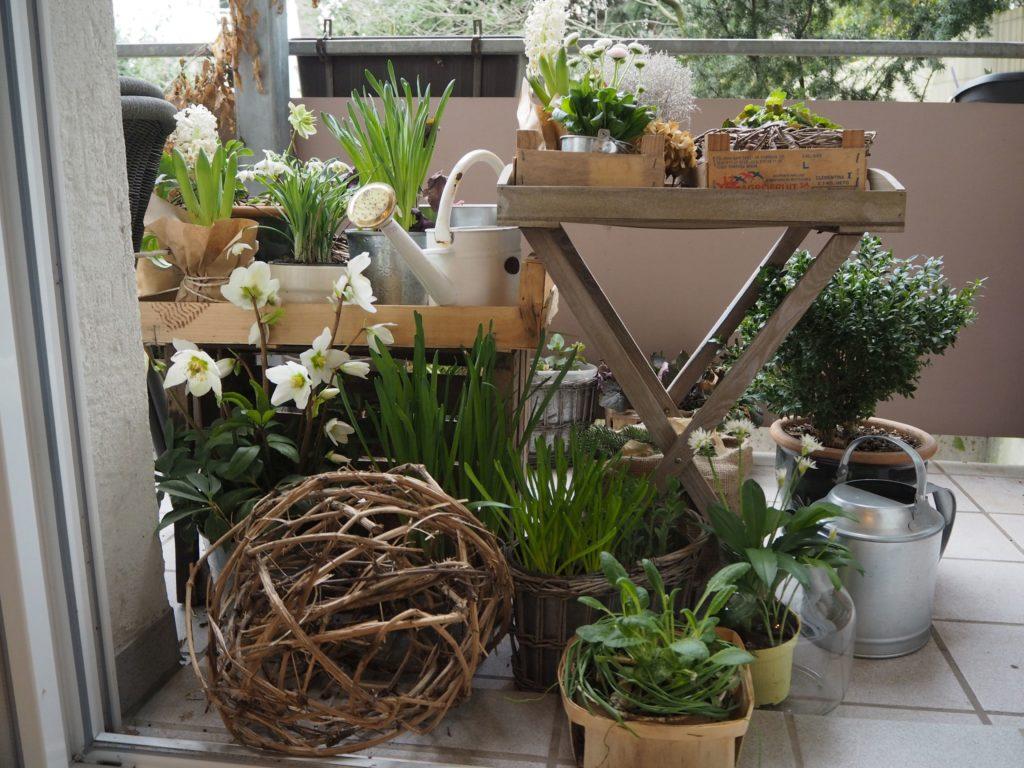 2017-03-skoen-och-kreativ-fruehlingsdeko-balkon-welcome-spring (1)