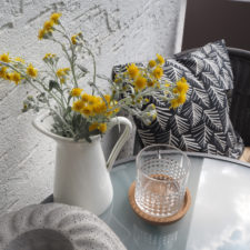 2017-07-skoen-och-kreativ-balkondekoration-urban-gardening-gelb-schwarz (13)