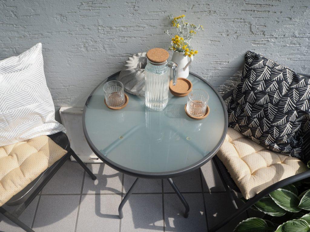 2017-07-skoen-och-kreativ-balkondekoration-urban-gardening-gelb-schwarz (3)