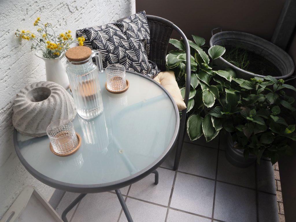 2017-07-skoen-och-kreativ-balkondekoration-urban-gardening-gelb-schwarz (6)
