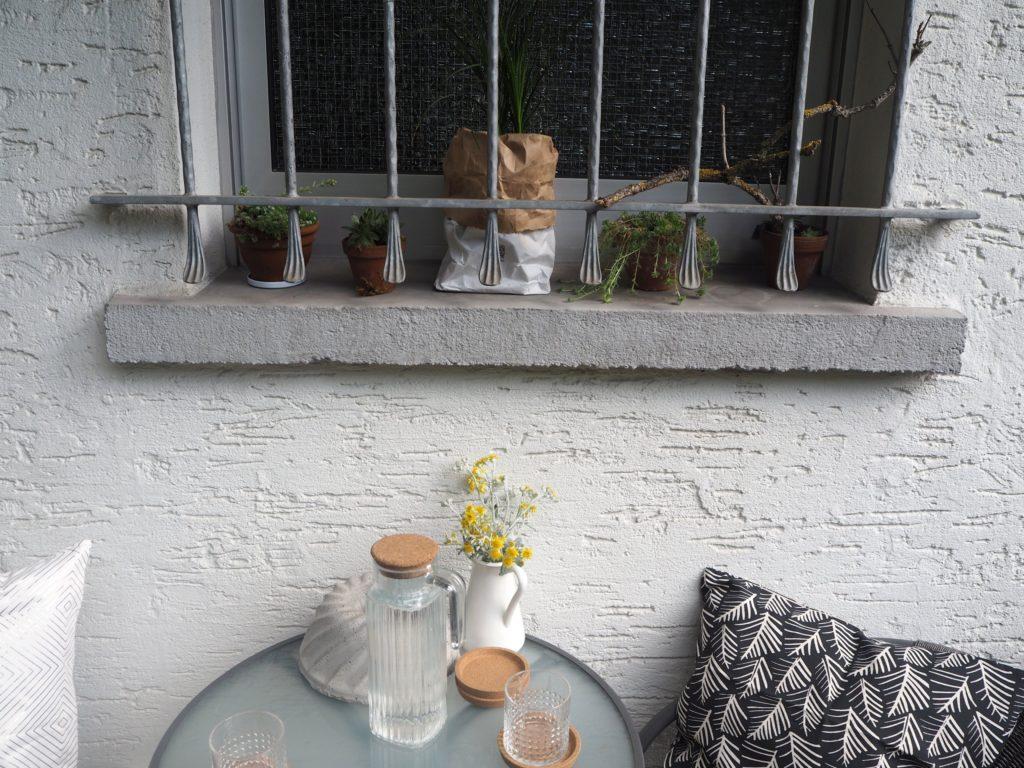 2017-07-skoen-och-kreativ-balkondekoration-urban-gardening-gelb-schwarz (8)