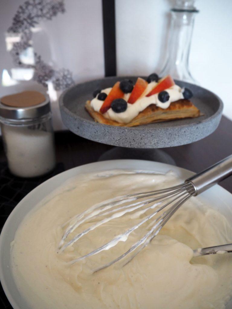 2017-07-skoen-och-kreativ-crostata-mit-heidelbeer-nektarinen-topping (5)
