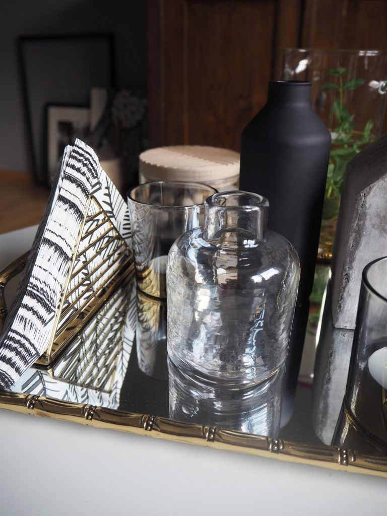 2017-09-skoen-och-kreativ-interior-wohnzimmer-zartes-gruen-dekorieren (10)