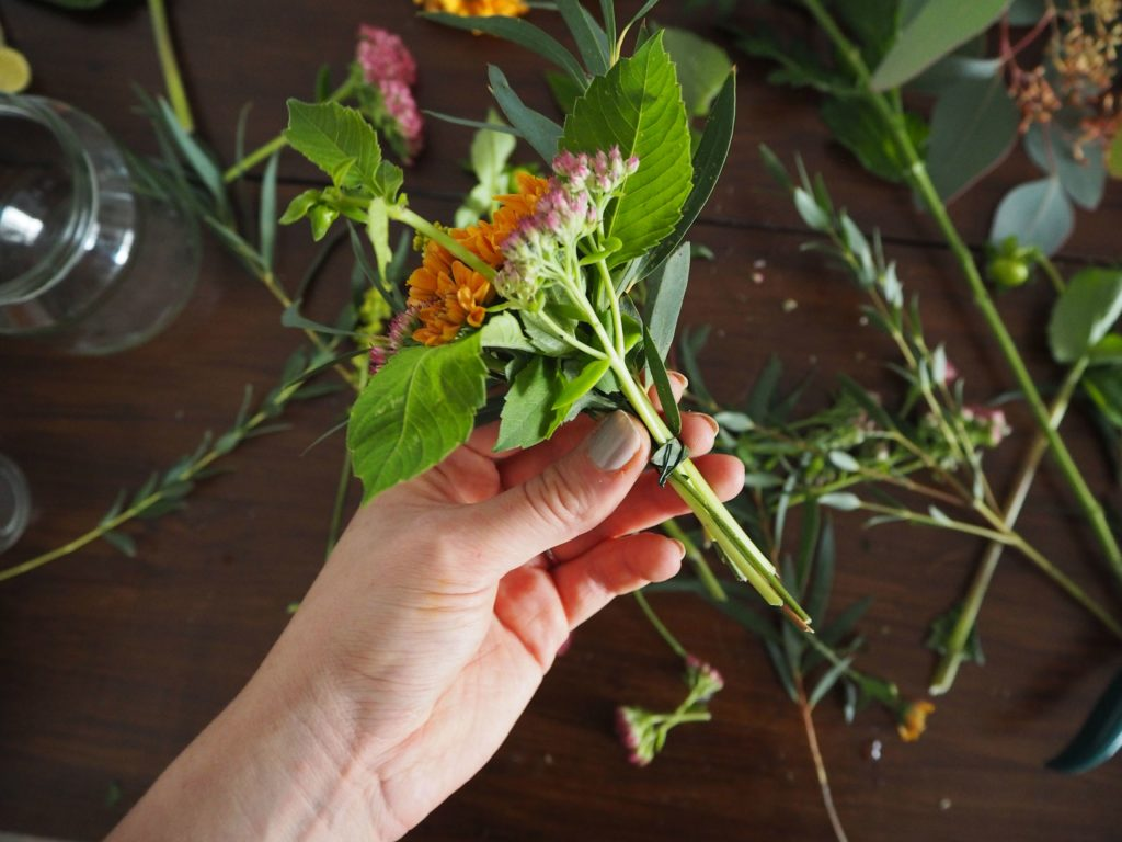 2017-11-skoen-och-kreativ-diy-herbstliche-flower-bouquets (11)