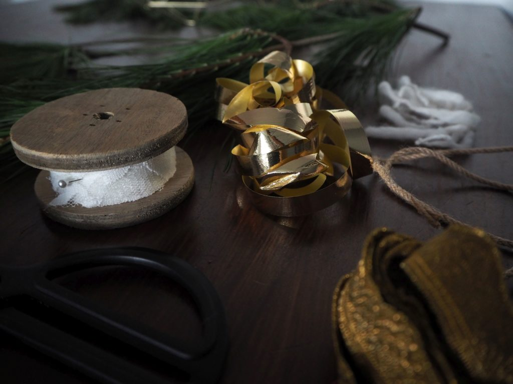 2017-11-skoen-och-kreativ-diy-interior-einfacher-kranz-im-skandi-style-fuer-den-advent (10)