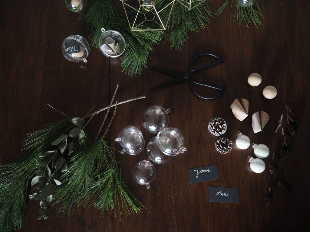 2017-11-skoen-och-kreativ-diy-minimalistische-tischdekoration-im-advent-kugeln-skandi-style (13)
