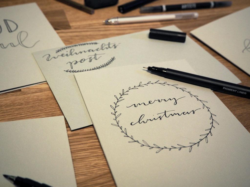 2017-11-skoen-och-kreativ-diy-wrapping-wednesday-lettering-fuer-weihnachtskarten (18)